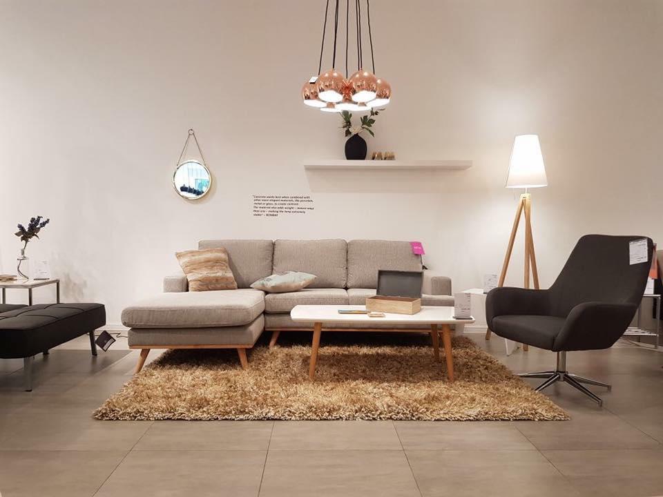 nen mua sofa thuong hieu nao 13 - Cách Đặt Bàn Ghế Phòng Khách Theo Phong Thủy Mang Tài Lộc Vào Nhà