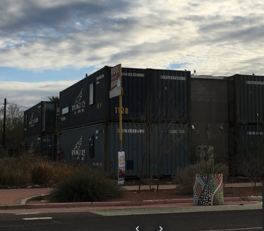 Container on grand
