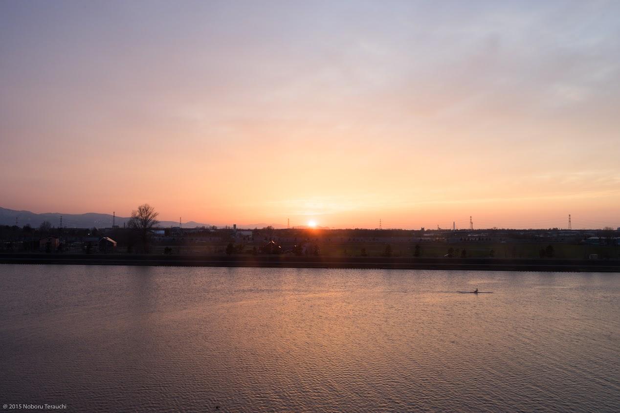 茨戸川に沈む夕陽