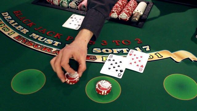 Cách chơi blackjack trực tuyến giành được nhiều tiền - Đánh bài đổi thưởng