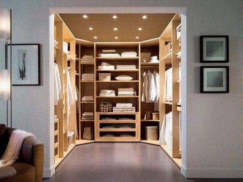 Phòng thay đồ trong phòng ngủ độc đáo với góc phòng âm tường