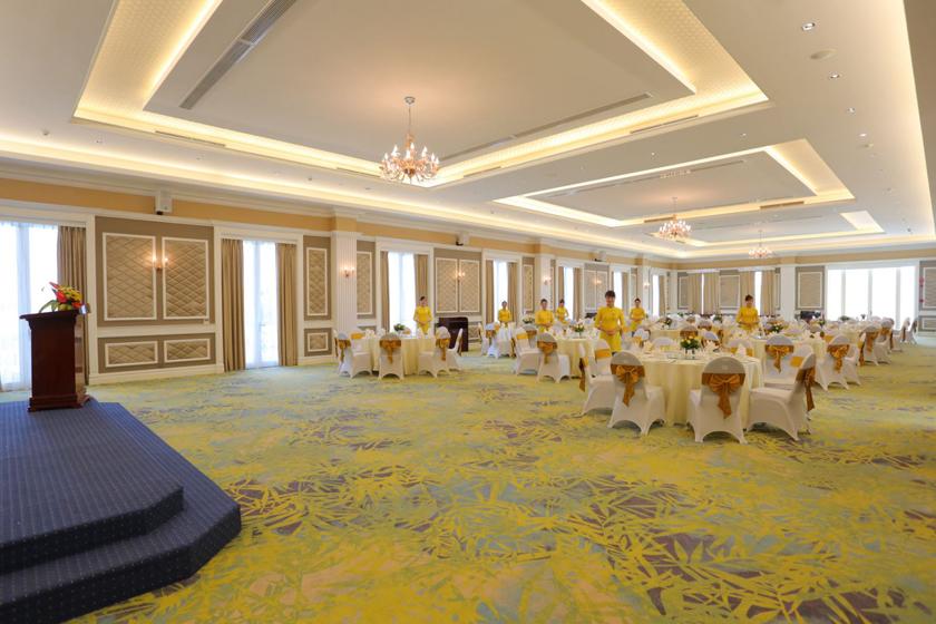 the royal restaurant FLC vĩnh phúc