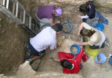 Equipo de excavación de Atxoste. Fuente Alfonso Alday