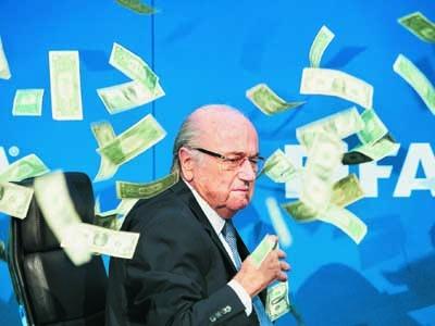 Йозеф Блаттер оставался во главе ФИФА 17 лет, несмотря на то, что коррупционные скандалы не раз сотрясали эту организацию