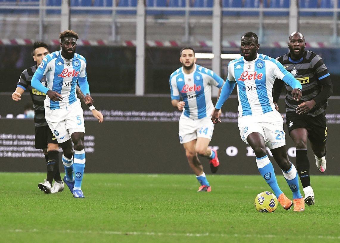 SSC Napoli đã đã để thua Inter 0-1 ở trận lượt đi trên sân của Inter