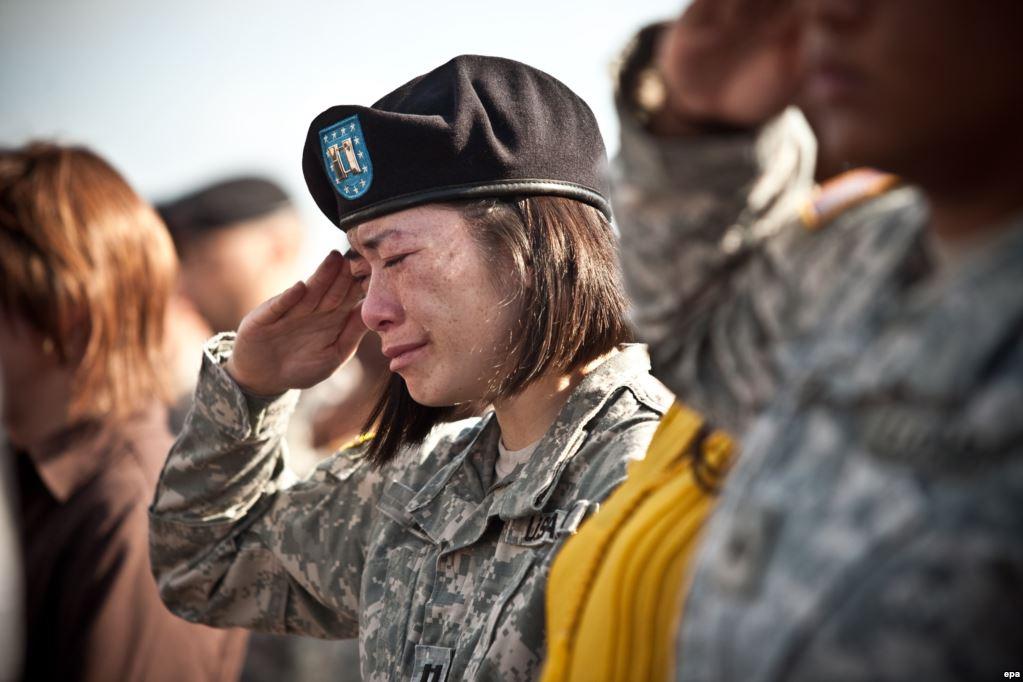 5 ноября 2009 года на военной базе Форт Худ 39-летний военный врач-психиатр, майорвооруженных сил СШАНидал Малик Хасан убил 13 своих коллег и ранил 32. С этой базы военные отправлялись на миссии в Ирак и Афганистан, которые Хасан неоднократно критиковал. Нападающего поймали и приговорили к смертной казни через инъекцию, которую он по сей день ожидает в тюрьме