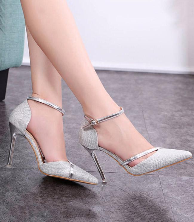 Tại sao bạn nên chọn giày cao gót?