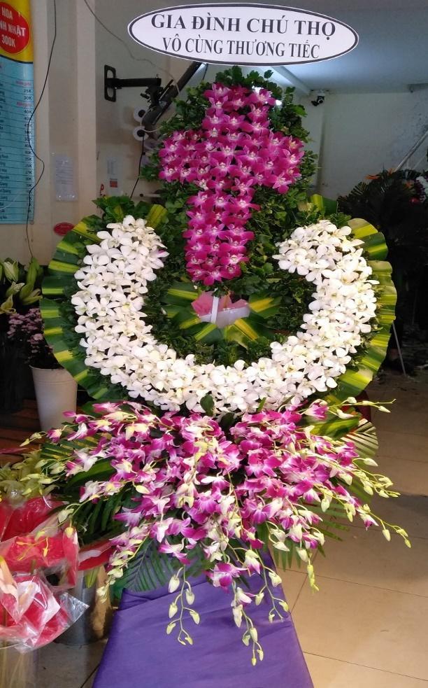 Dat hoa đám tang phù hợp với phong tục vùng miền: