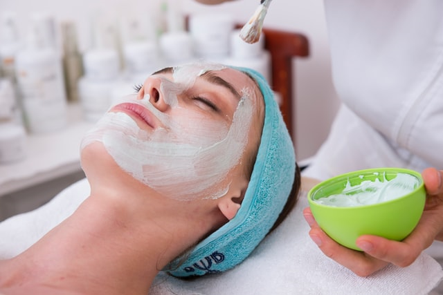 Face mask application for spa day