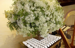 baby's breath reception table