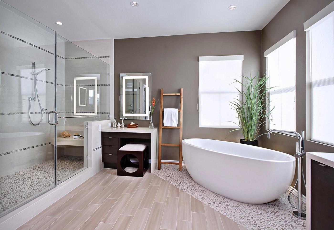Gương là thiết bị nội thất tiện dụng trong phòng tắm hiện đại