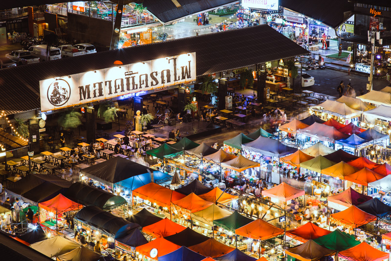 Rot Fai Night Market Ratchada