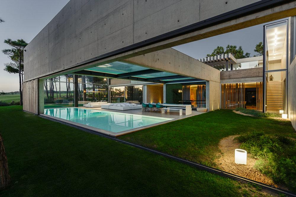 The Wall House by Guedes Cruz Arquitectos | Source: guedescruzarquitectos.squarespace.com