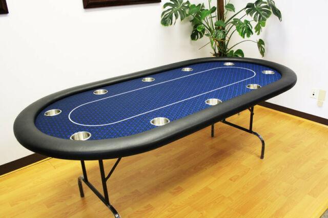 Nên chọn bàn có bề mặt nhẵn