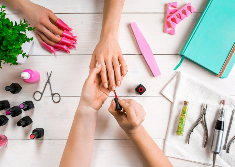guia completo de como ser uma manicure de sucesso