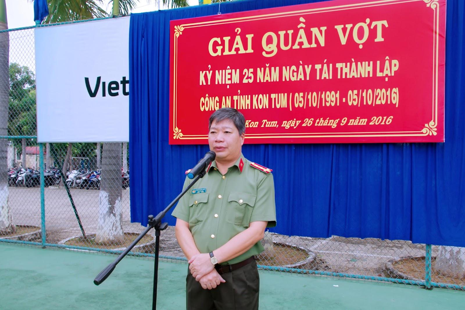 Khai mạc giải quần vợt kỷ niệm 25 năm Ngày tái thành lập Công an tỉnh Kon Tum (5/10)