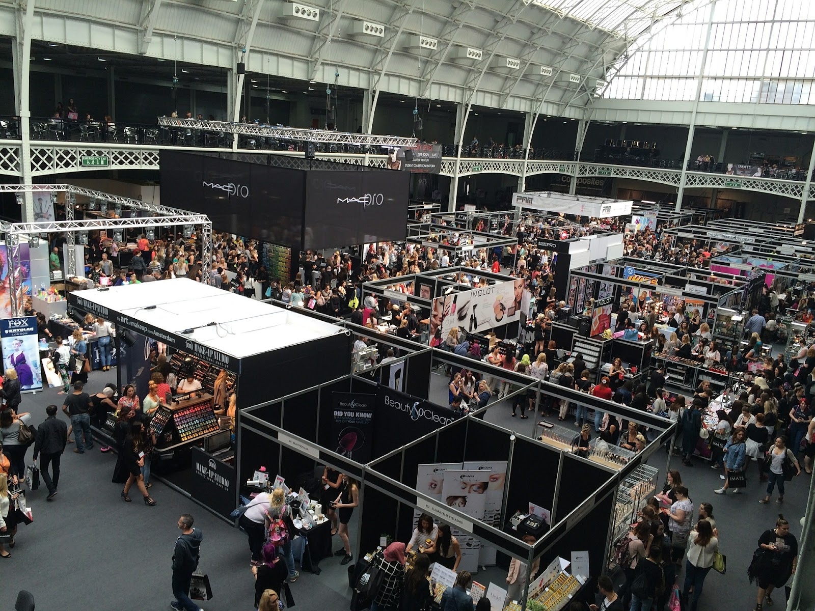 SMART Ways To Stand Out At A Trade Show