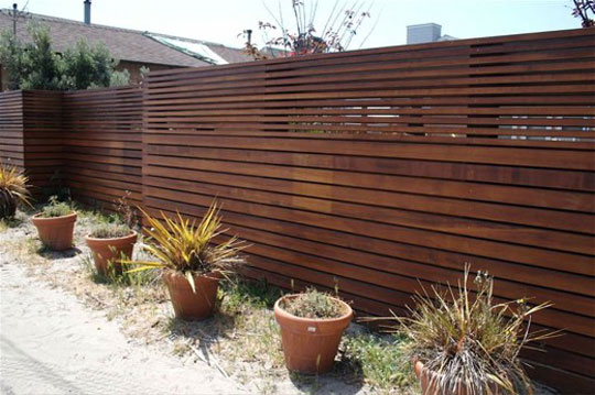 Modern Backyard Fence : Love the horizontal slats defining this fence The smaller slats with