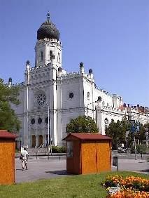 http://www.templom.hu/kecskemet/tn_k_zsinagoga.jpg