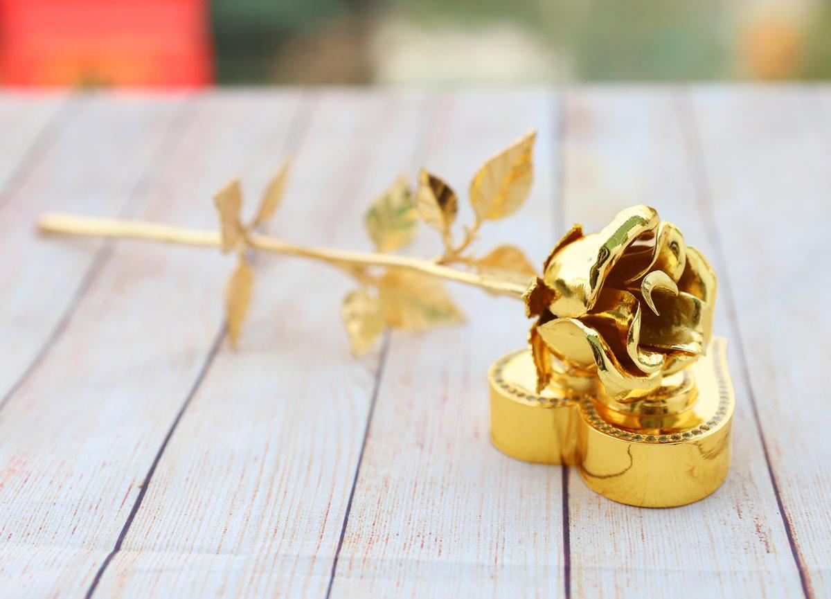 Lấp lánh bộ quà tặng ngày 20/10 lấy cảm hứng từ hoa của Royal Gift - Ảnh 2