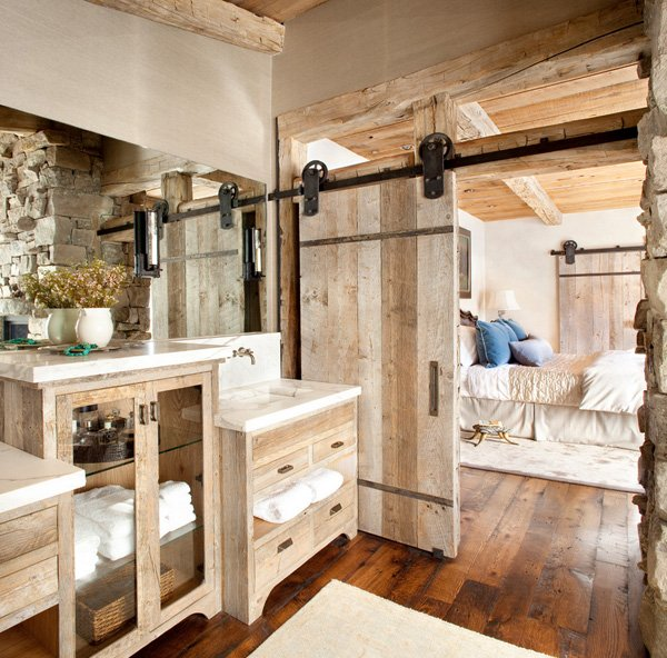 Baños Rusticos Bonitos:Bathroom with Rustic Barn Door