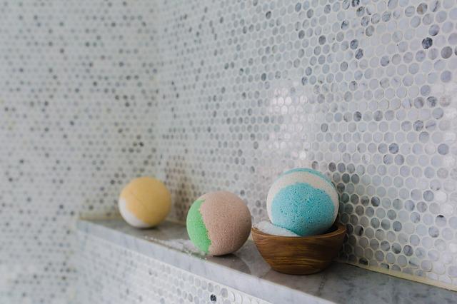 bathroom-2562370_640.jpg