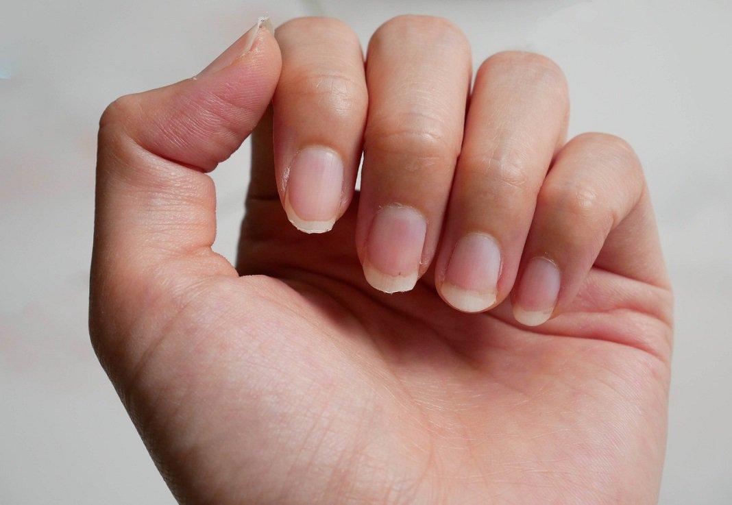 cách làm bùa yêu bằng móng tay