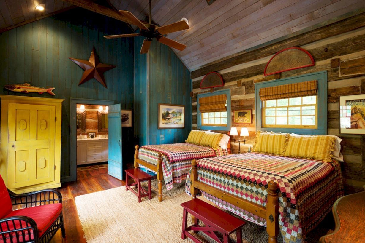 colorful cabin bedroom for kids: using rich colors on wooden furniture and bedding