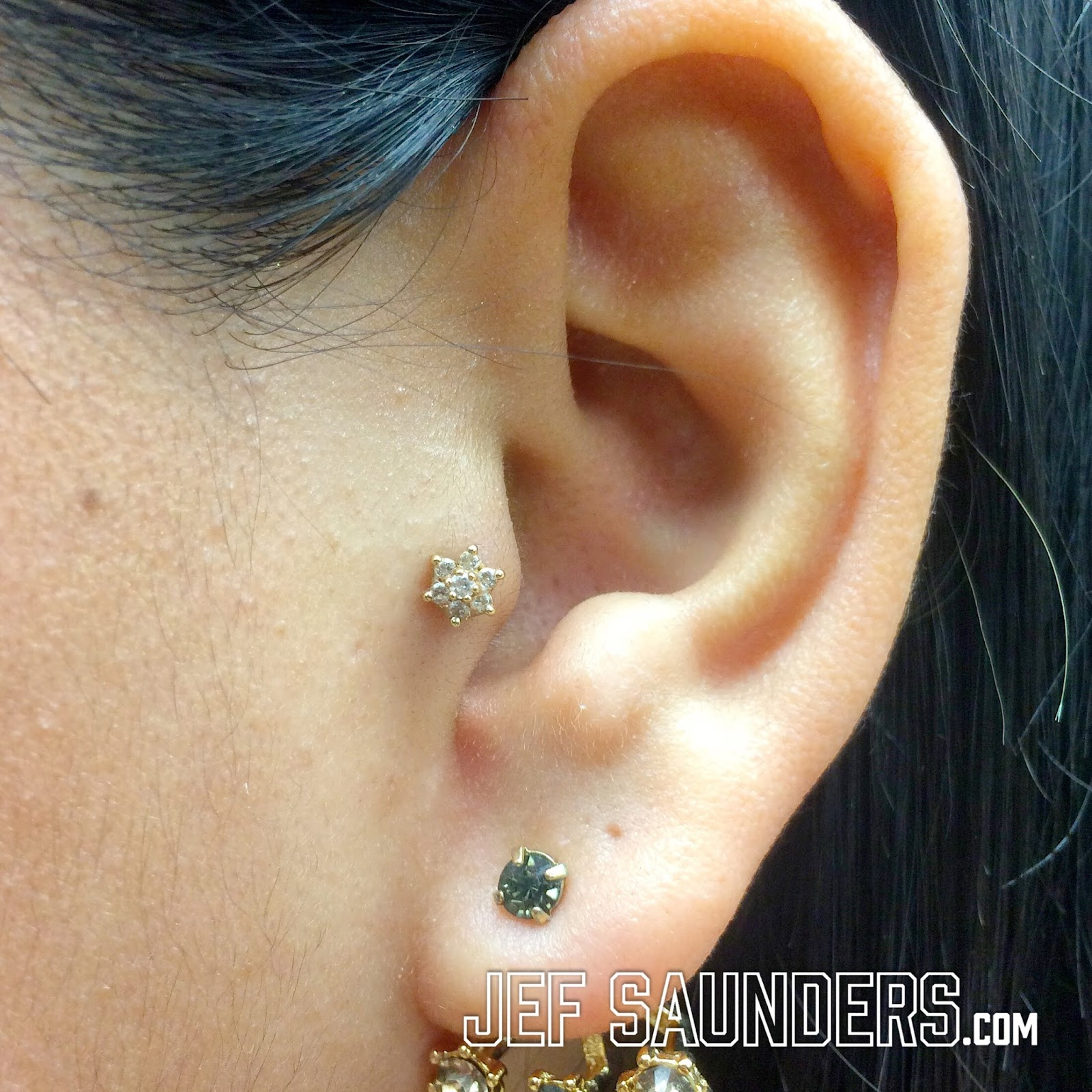 Tragus Piercing: Advanced Fundamentals - PiercingNerd.com ...