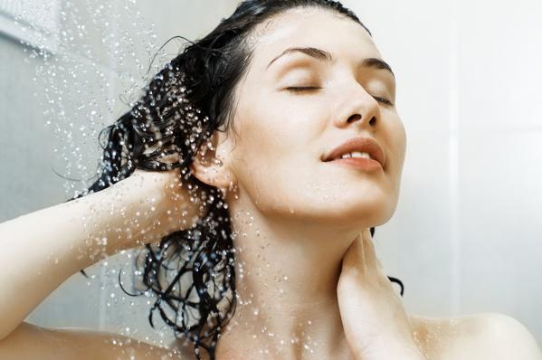 Gội đầu bằng nước nóng tốt cho sức khỏe