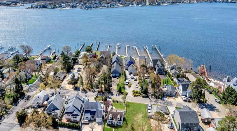 waterfront homes in Brick, NJ