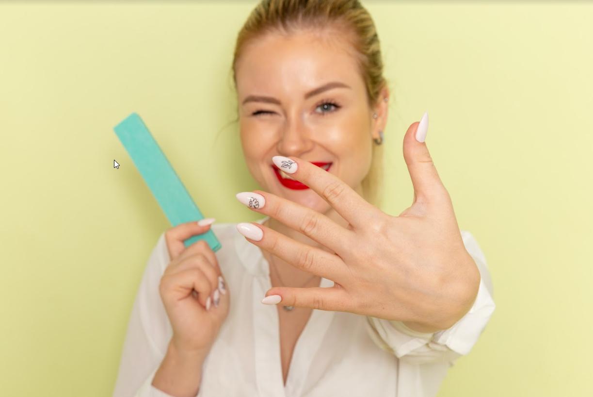 conheça a técnica de alongamento de unhas