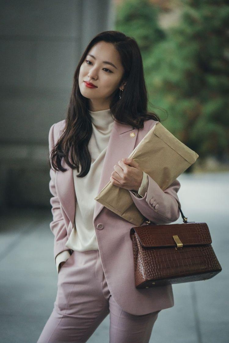 5 diễn viên Hàn chật vật nhiều năm mới nổi tiếng: Kim Seon Ho, Shin Hye Sun chưa khổ bằng bé đẹp Squid Game - Ảnh 10.