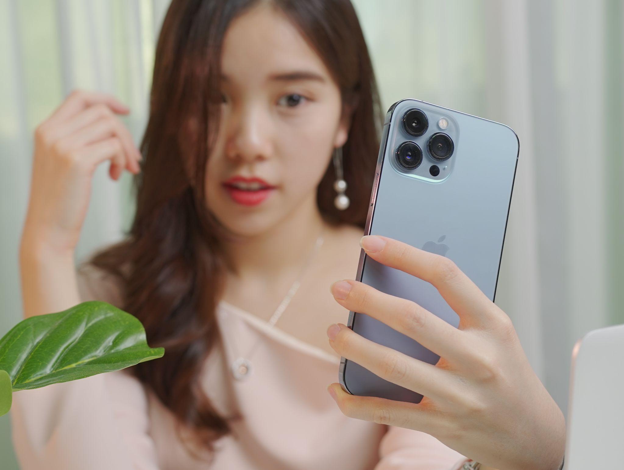 iPhone 13 Pro Max xách tay giá 45-50 triệu đồng tại Việt Nam nhưng không có hàng để bán - Ảnh 2.