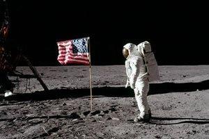 dia da primeira viagem a lua