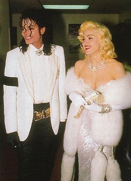 Pour clôturer ce classement, Madonna. Une icône de la mode qui a bousculé les codes plus d'une fois. Pour sa première cérémonie des Oscars en 1991. Elle s'inspire du style de Marilyn Monroe avec cette robe blanche scintillante réalisé par Bob Mackie.