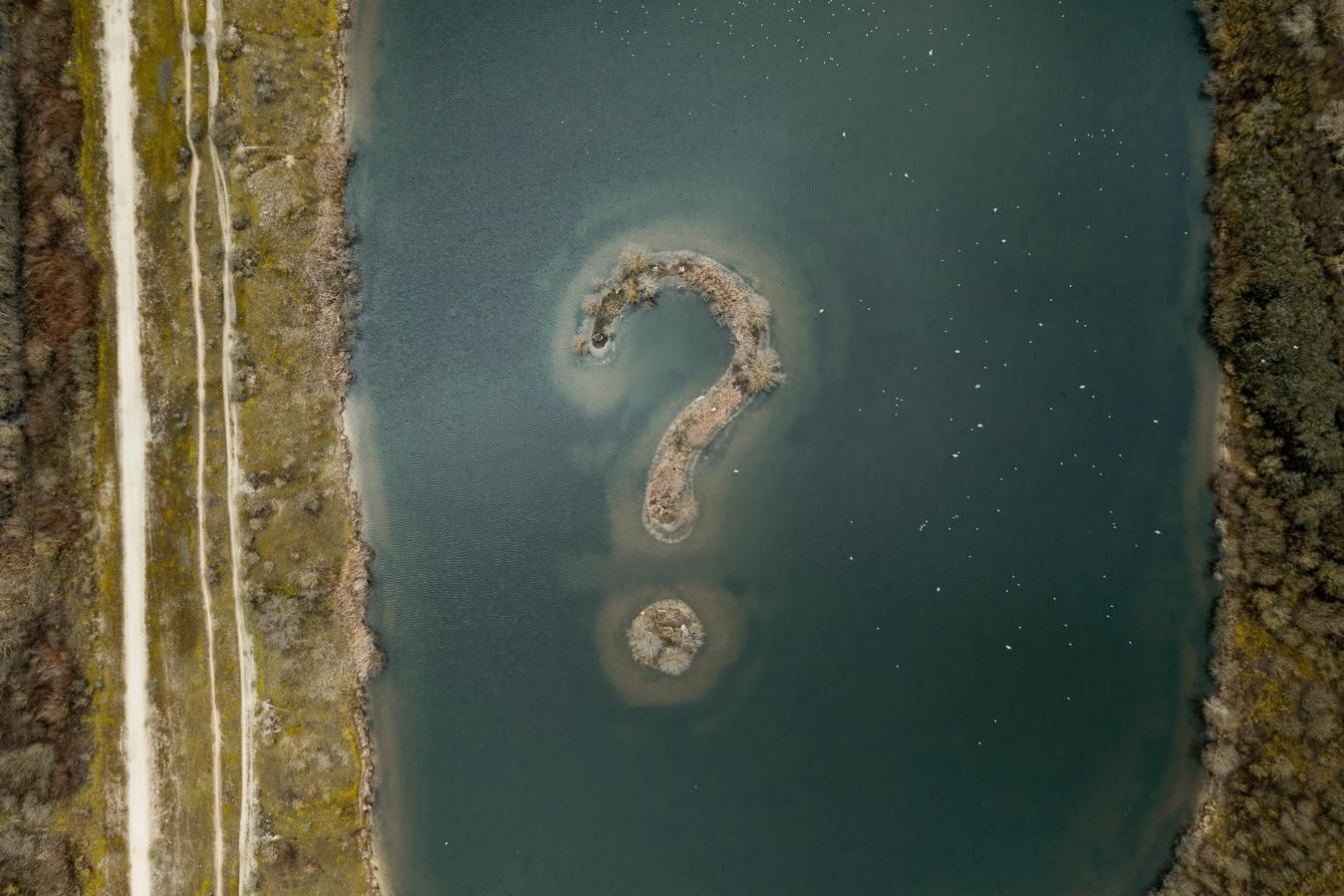 Een eiland in de vorm van een vraagteken