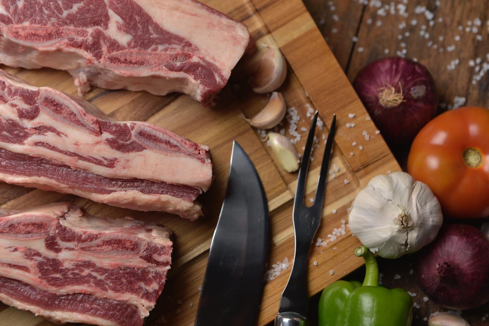 Kann ich gefrorenes Fleisch braten?