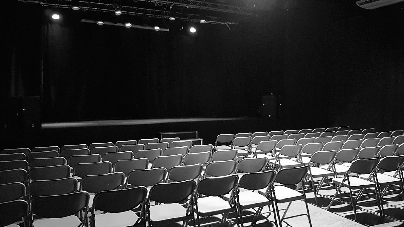 sala de conciertos la cochera cabaret