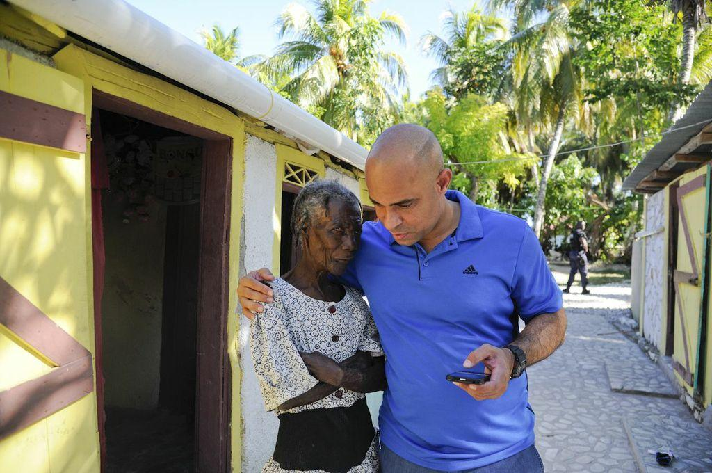 Image result for LAURENT LAMOTHE WITH CHILDREN  PHOTOS