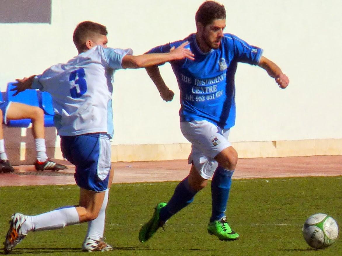 Burgos, protagonista del encuentro con dos dianas ante el club fuengiroleño