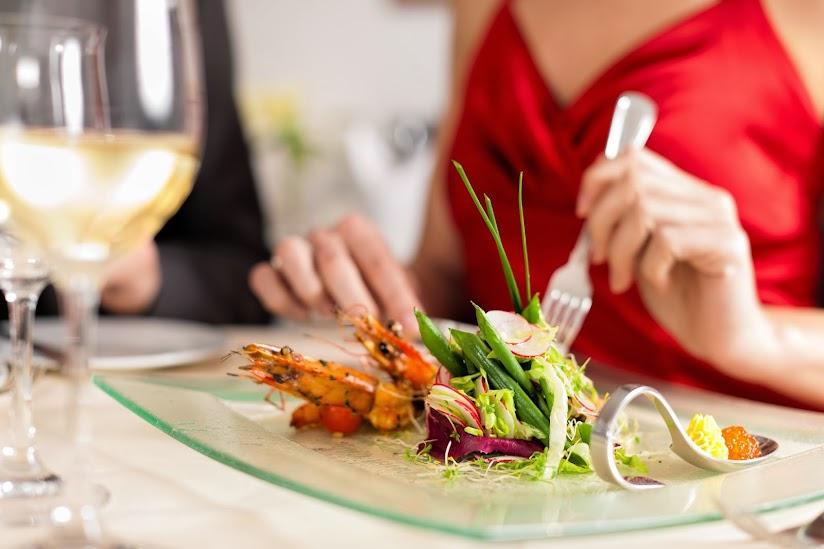 想減肥,別太早吃晚餐