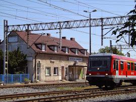 Der Zug nach Angermünde über Tantow fährt aus dem Bahnhof. (Bild A.M.)