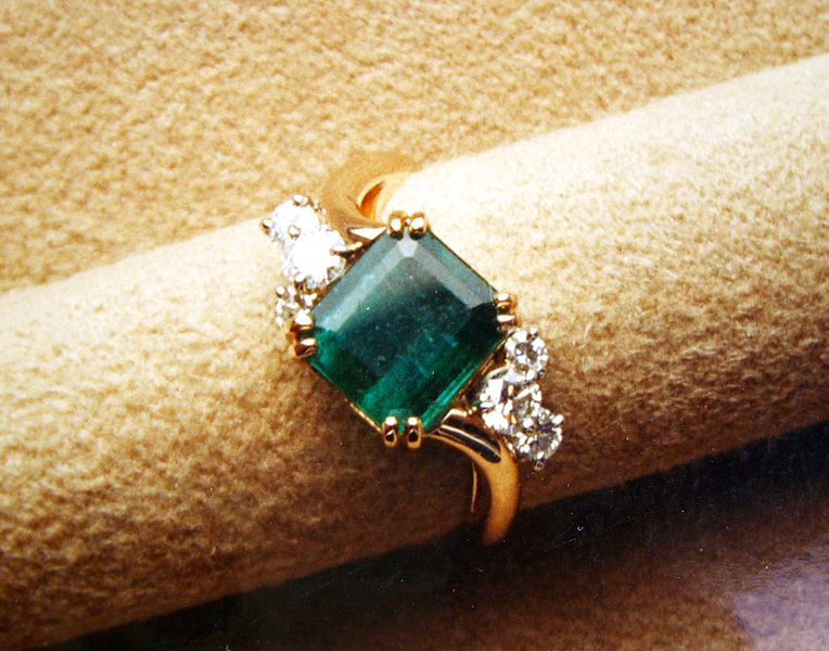 764px-Emerald_and_diamond_ring.jpg
