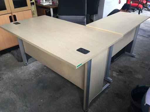 Gusena Jual Meja Dan Kursi Kantor Online Furniture Office Furniture Store Jual Alat Alat Kantor Kursi Meja Kantor Lemari Kantor Dan Lainnya