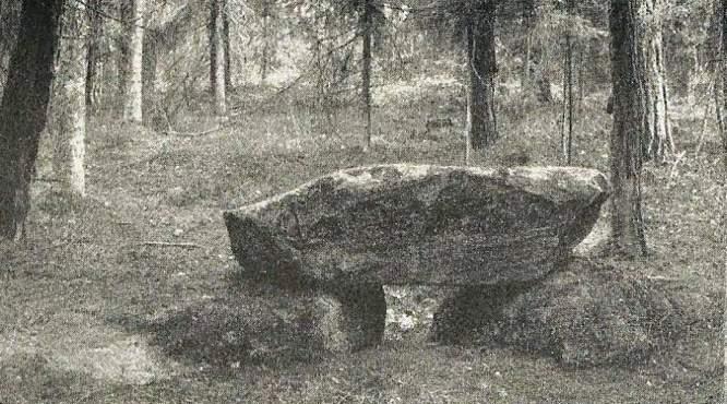 W Ligocie Oleskiej na wzgórzu znaleziono kamienną konstrukcję pogańskiego kultu