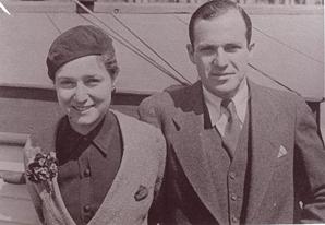 Harold and Viola in 1935 72 dpi.jpg