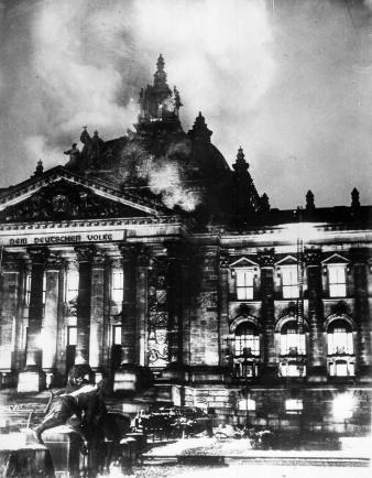 http://mk.christogenea.org/sites/default/files/images/Reichstagsbrand.preview.jpg