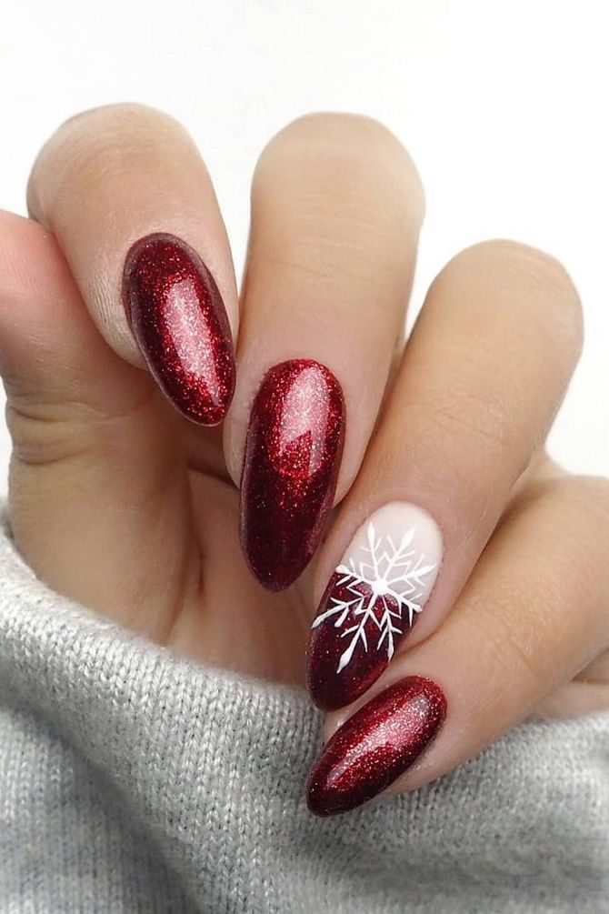 Red manicure for the New Year