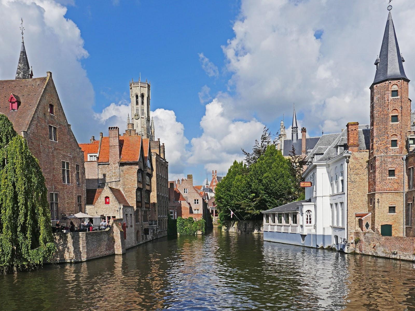 canal-in-bruges-2724438_1920.jpg